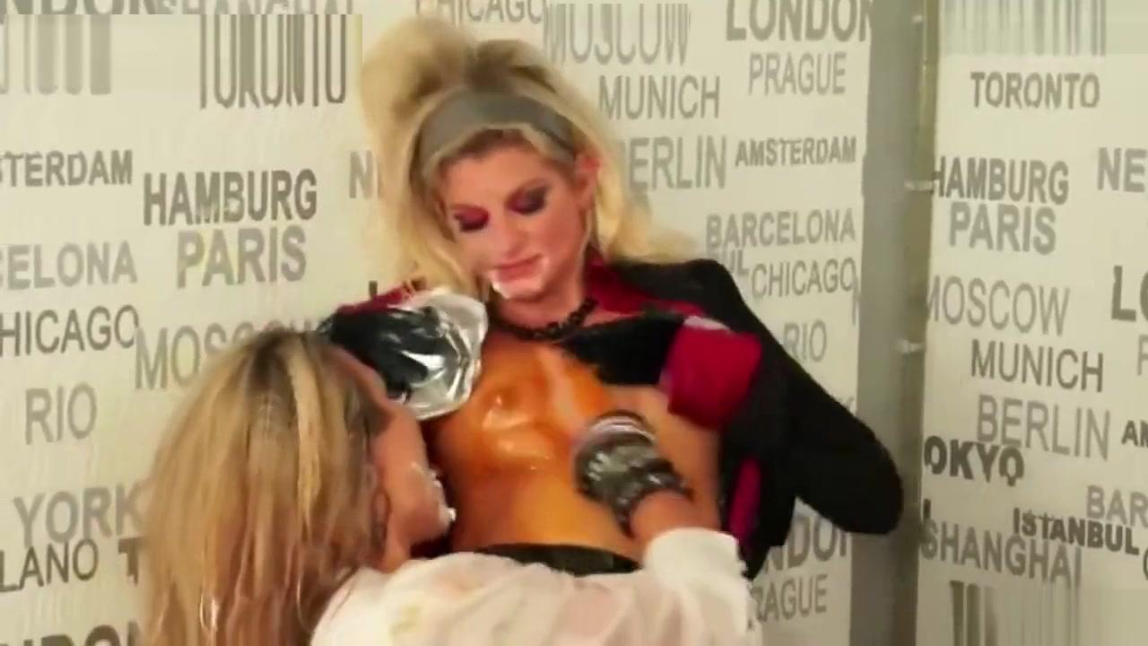 Fuckuf Peeing lesbo pornos