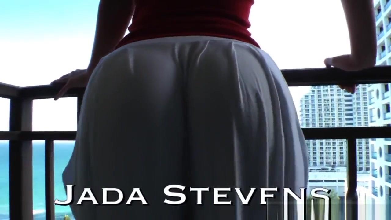 XXX Video Women that love blowjobs