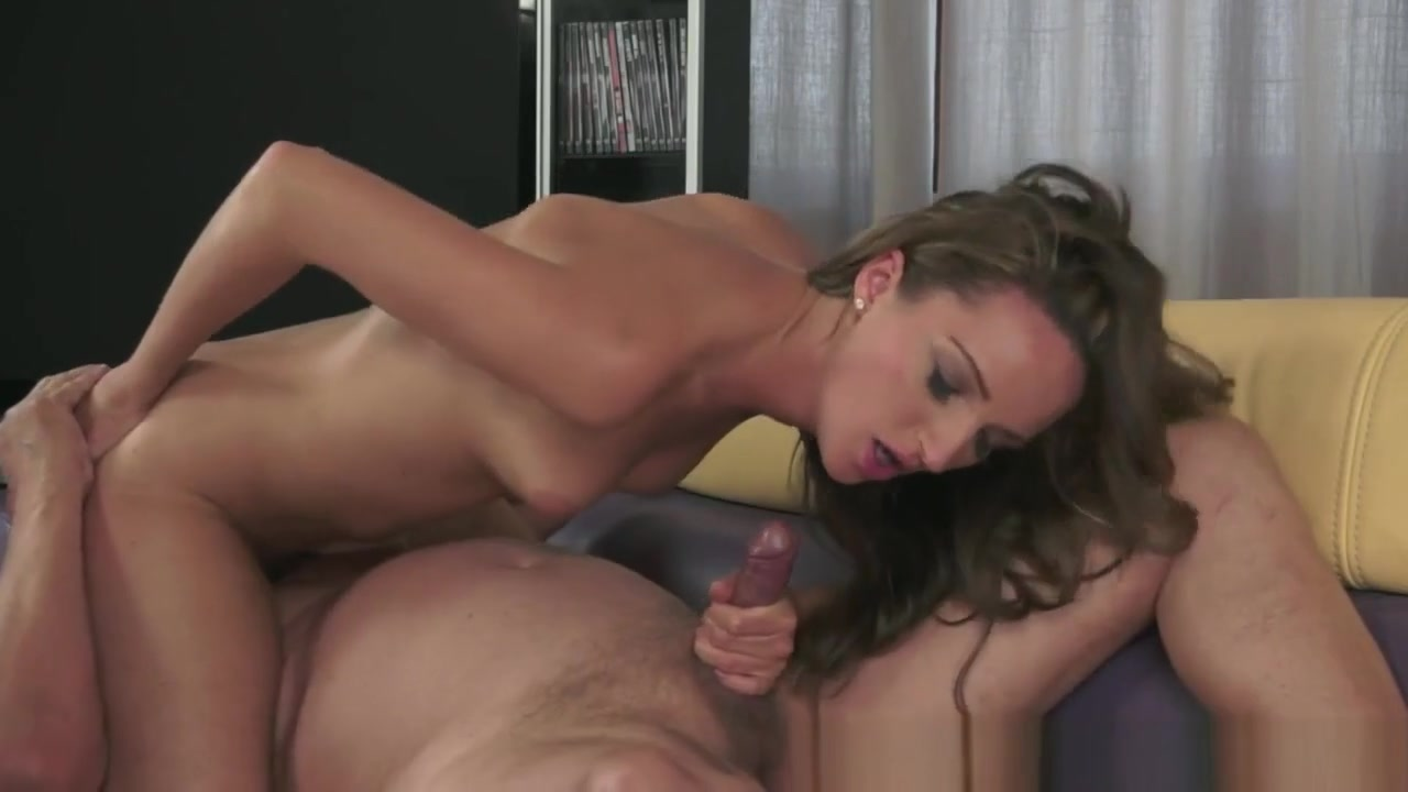 Hot porno Lesbian beauty pussylicked before scissoring