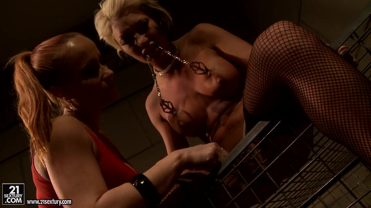 Lesbiyan horny orgys hookup