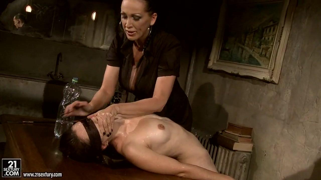 Homemade masturbate lesbias Massage