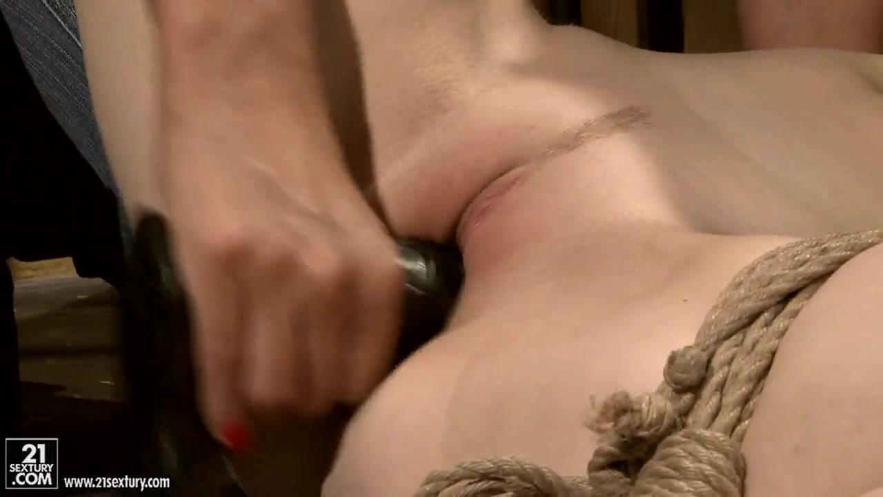 Anjalina jolie fucked nude Porn pic