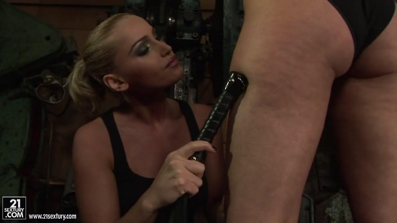 Nude gallery Kredl tenders dating