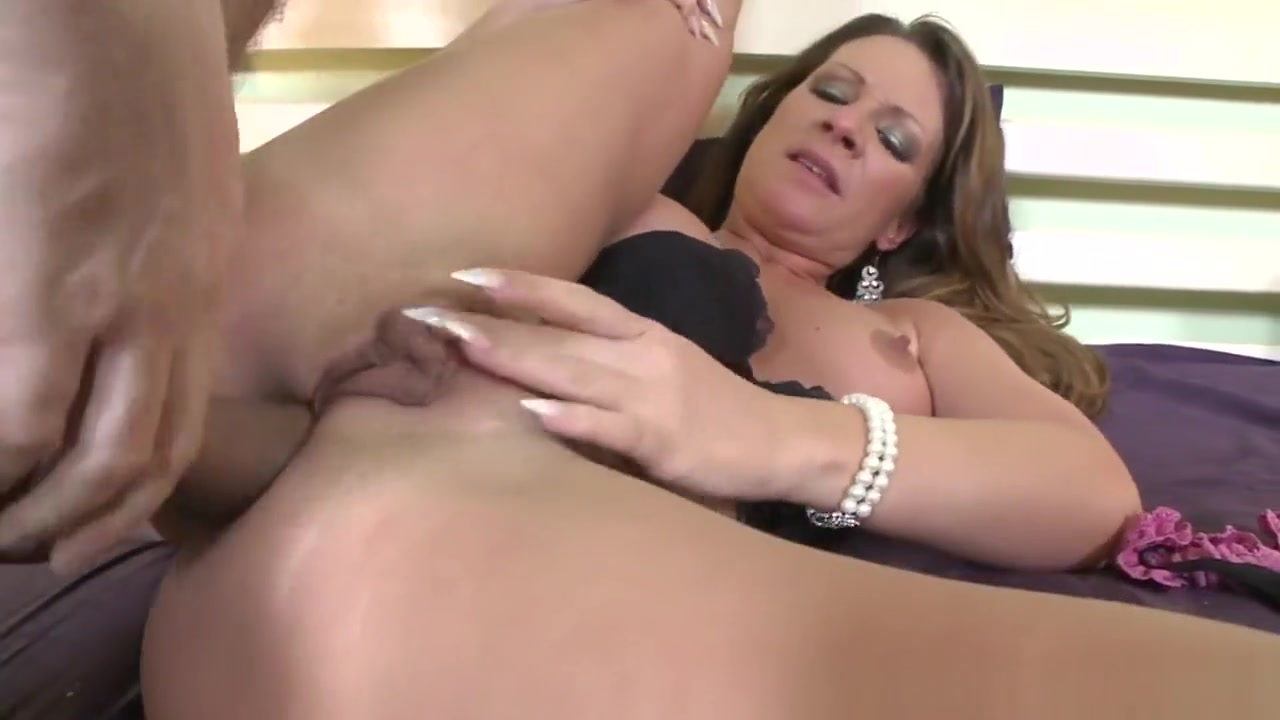 Butt Plugged Honey Jizzed Anal lesbian whores plug ass
