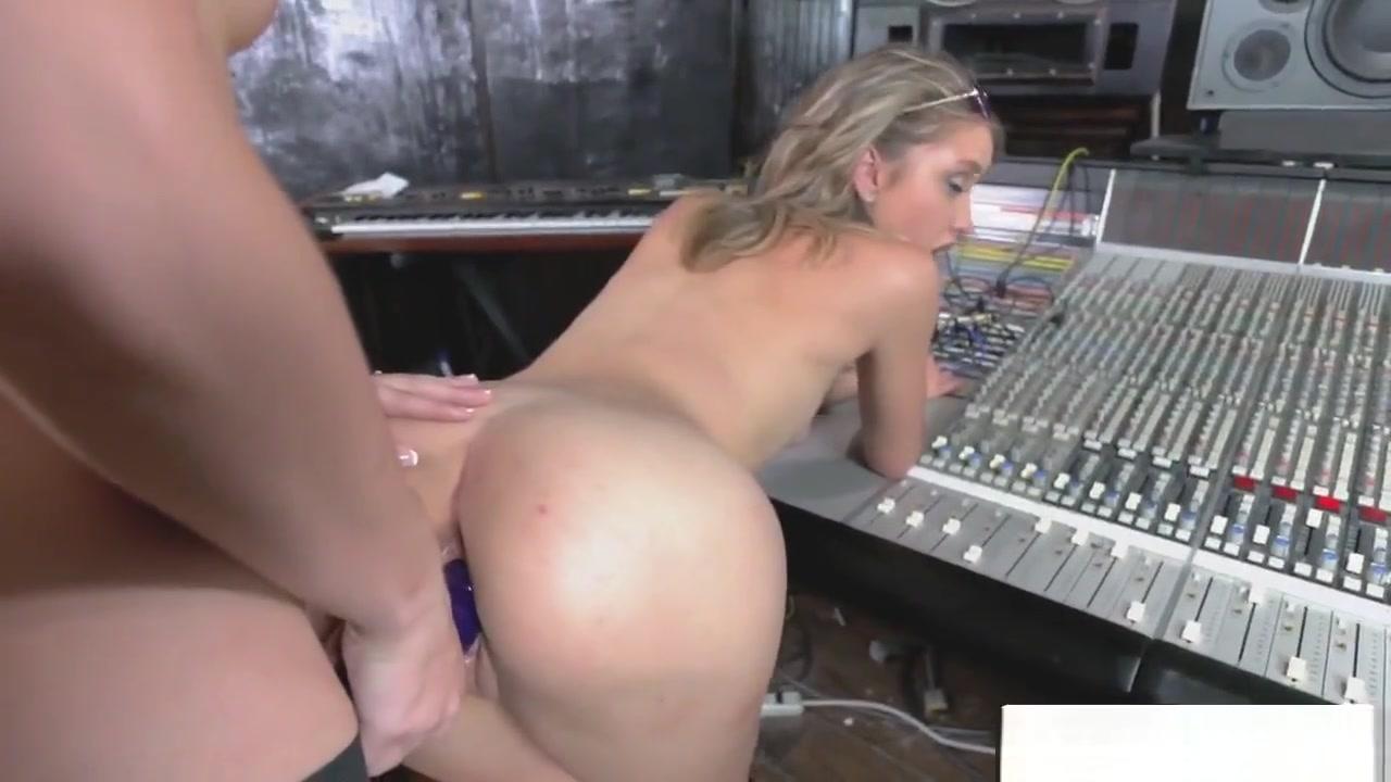 Porne Booby porn lesbion