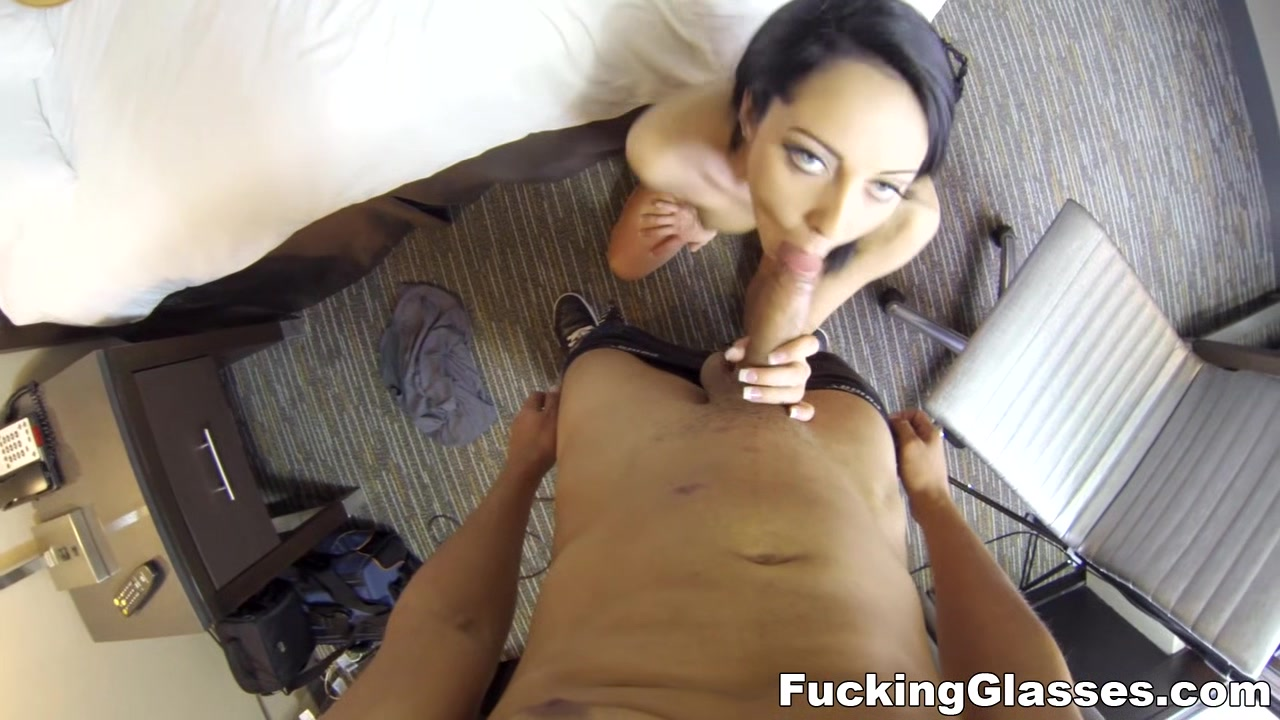 Fucking Glasses - Sabrina Banks - Her pussy is a magic place amateur family fuck videos