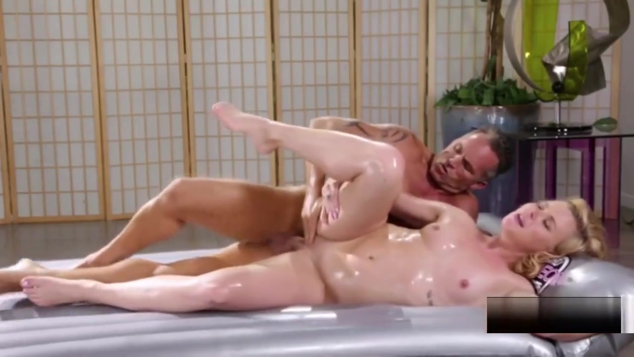 Bbw plays for cam in bathroom Naked Porn tube