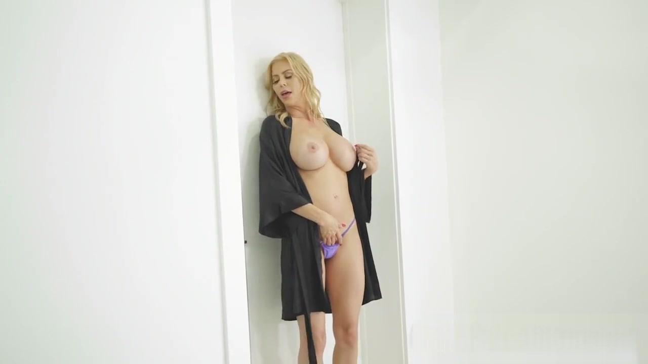 Busty milf pegging him nt Porno photo