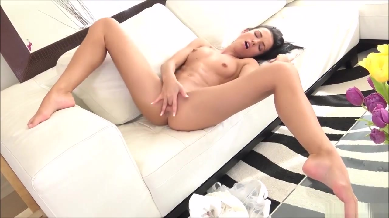 Lovely Teen Sapphira Showing Off Finger Pussy