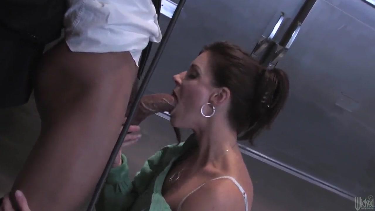 Fuckuf sexs Machine lesbi