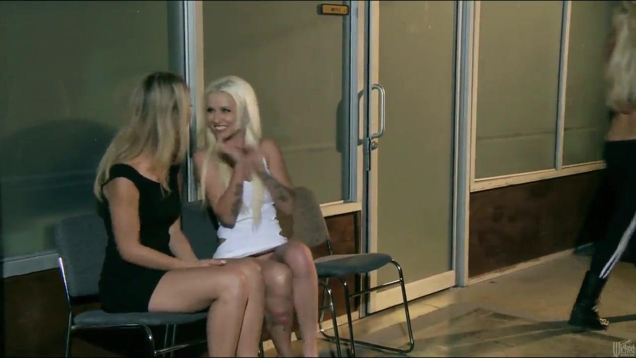 Costa nude video antonella