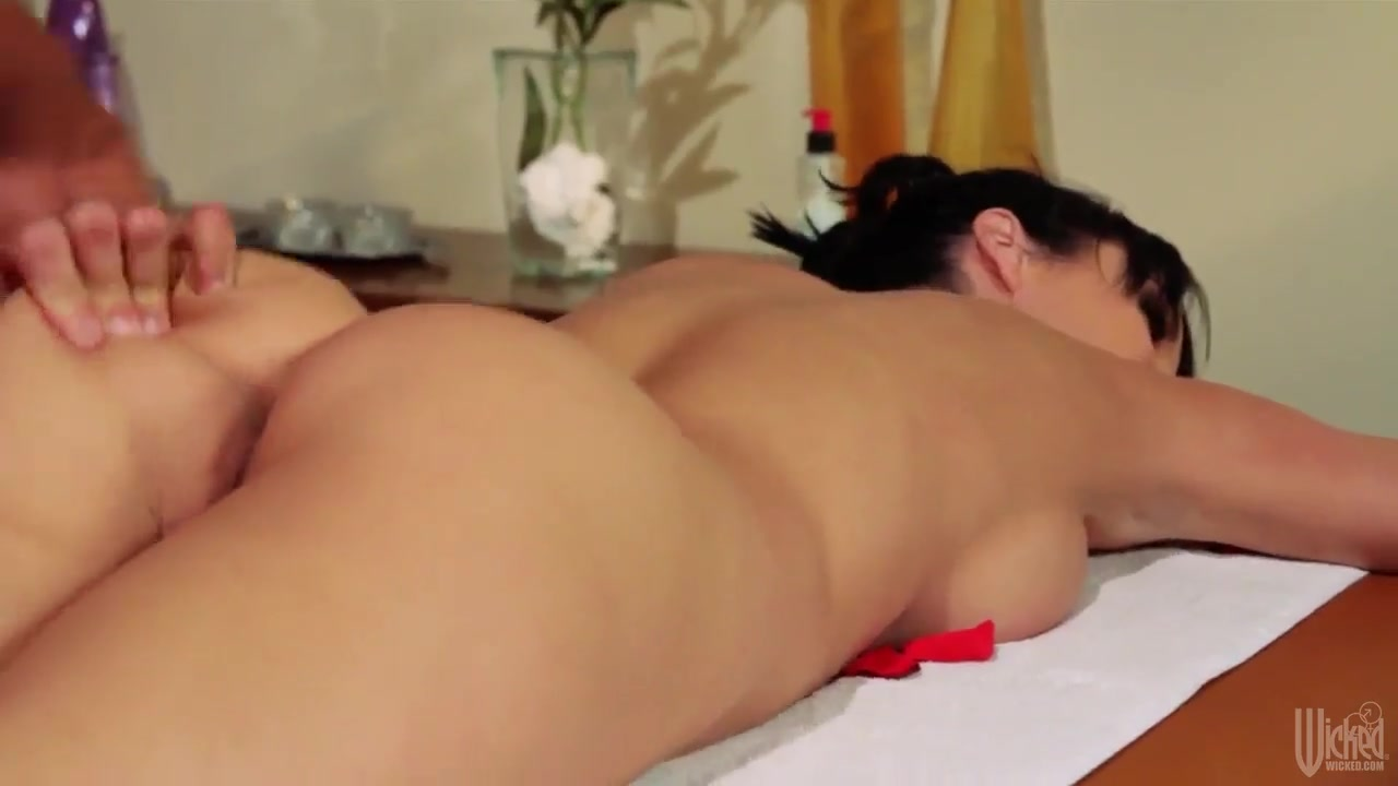 Priyanka chopra dating 2019 holidays Sex photo