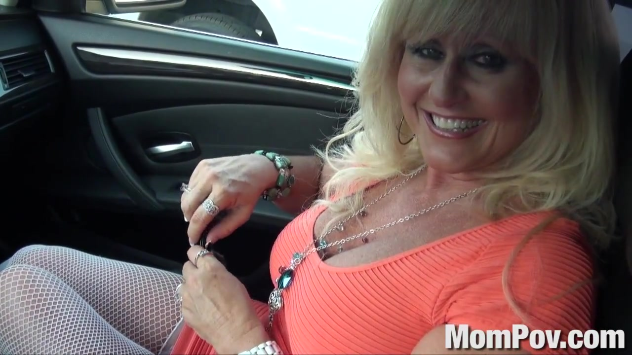 Cougar MILF gets anal Asian open wide