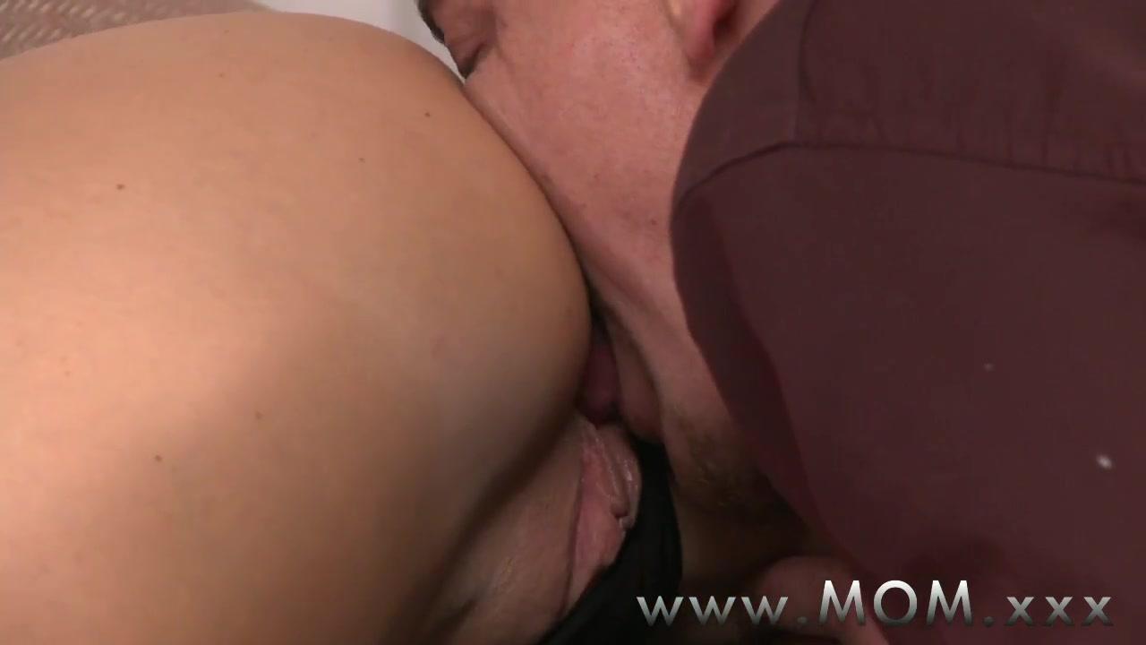 Sexy xxx video Ann margaret upskirt vietnam no panties