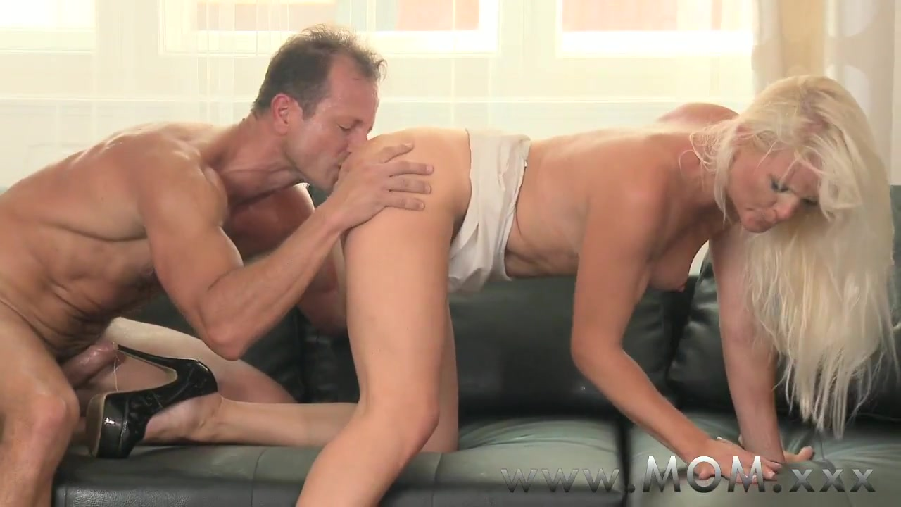 xXx Photo Galleries Bob and tom show internet porn song