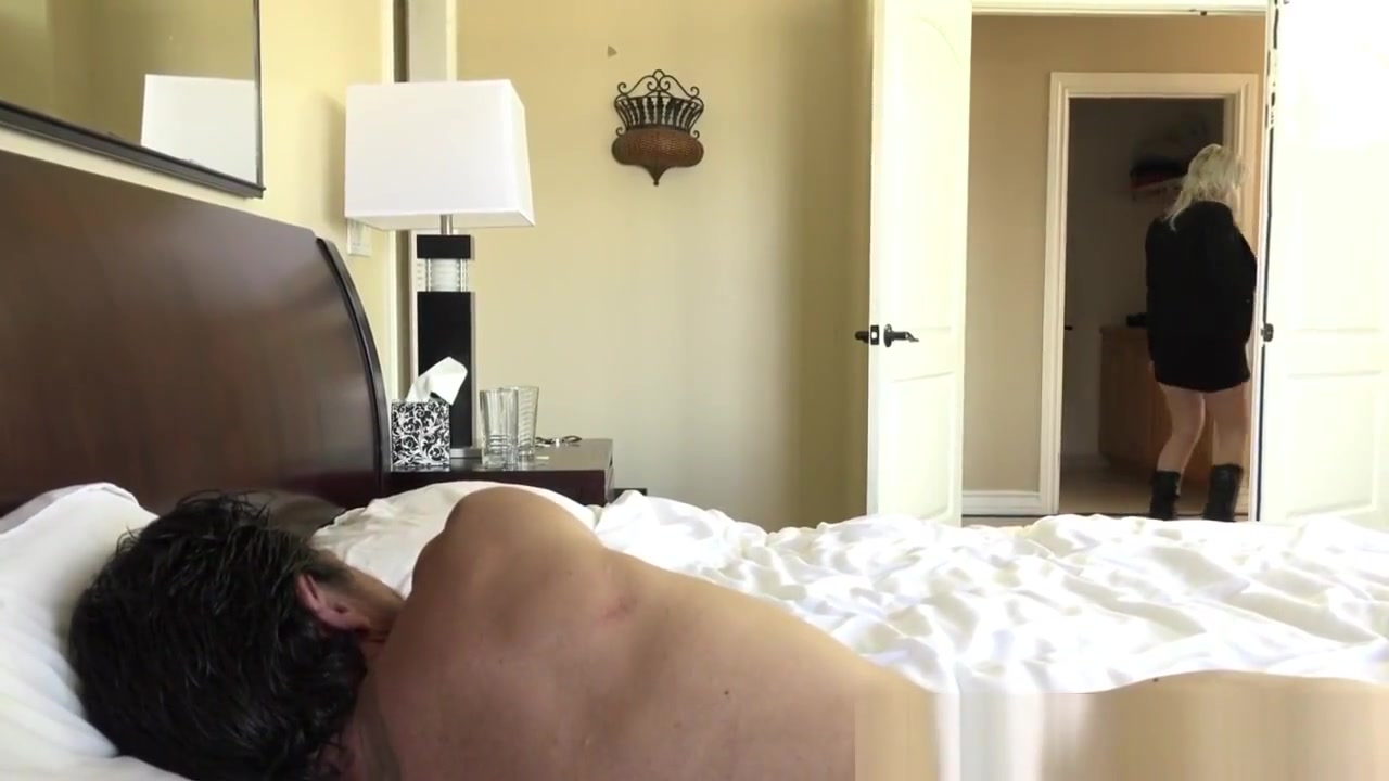 Hot xXx Pics Hot latina with big tits naked outdoors