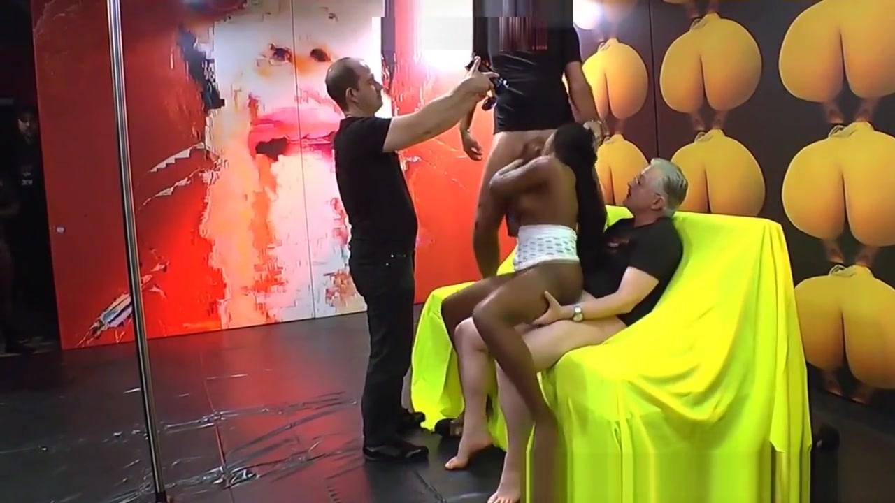 Nude gallery Clovece nehnevaj sa online dating