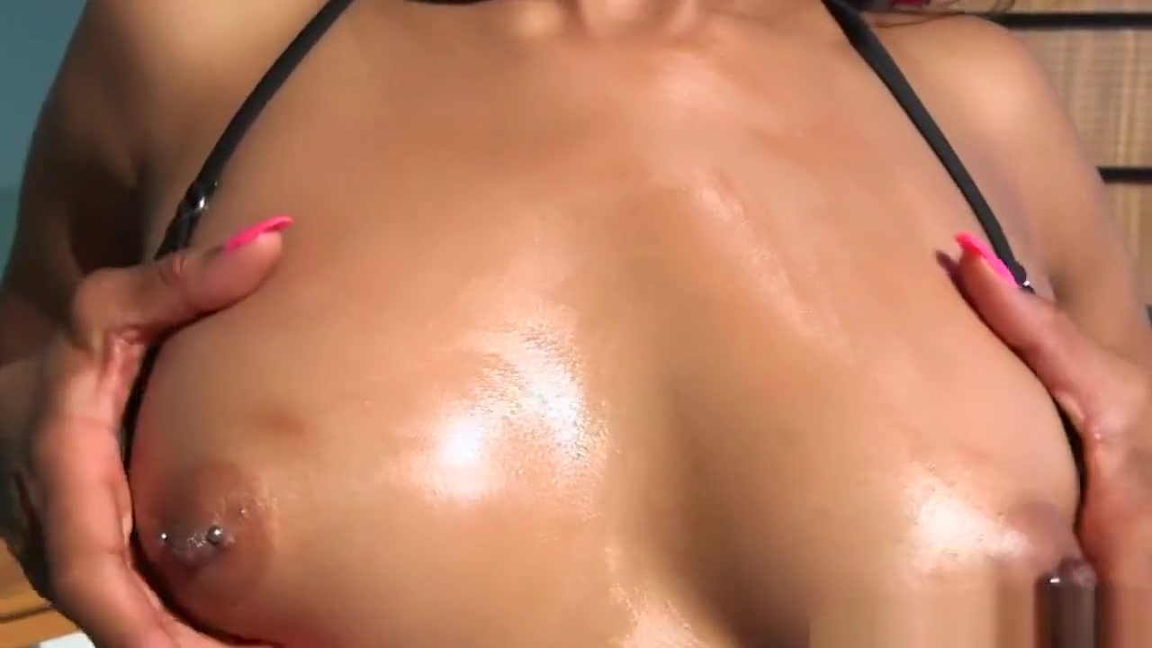 Hot Nude Phoenix marie hard ass recruiting officer