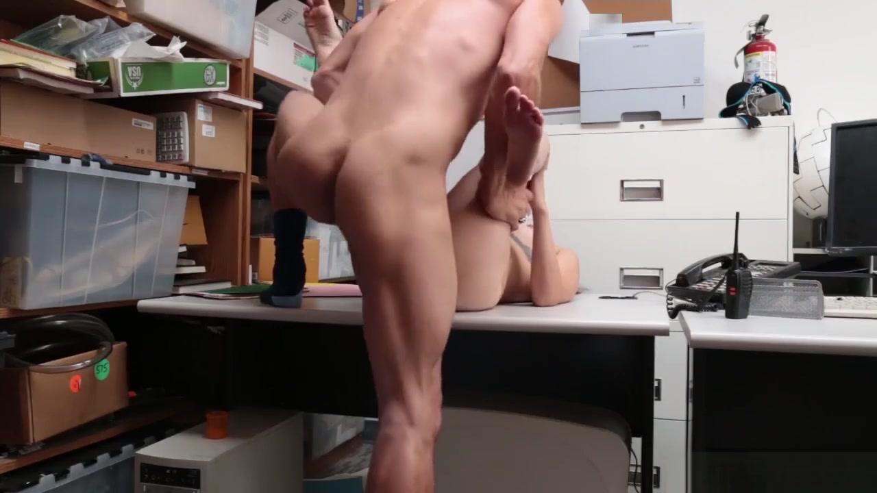 Women sucking cock on knees Porn clips