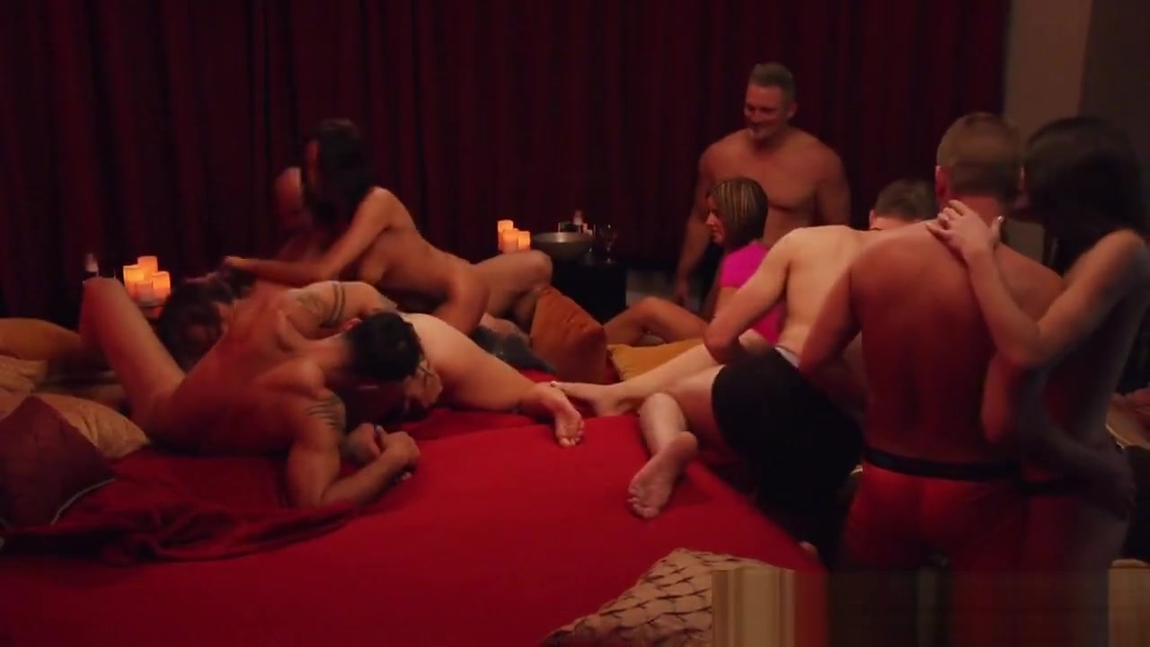 Massive Swingers Orgy In A Kinky Reality Show Home porn clips
