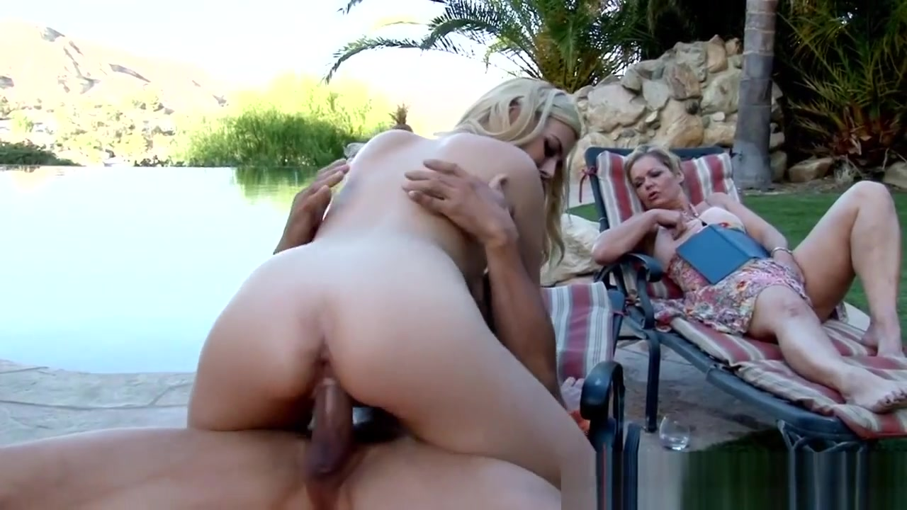 Pretty Amateur Rides Dick Miley cyrus playing with pussy