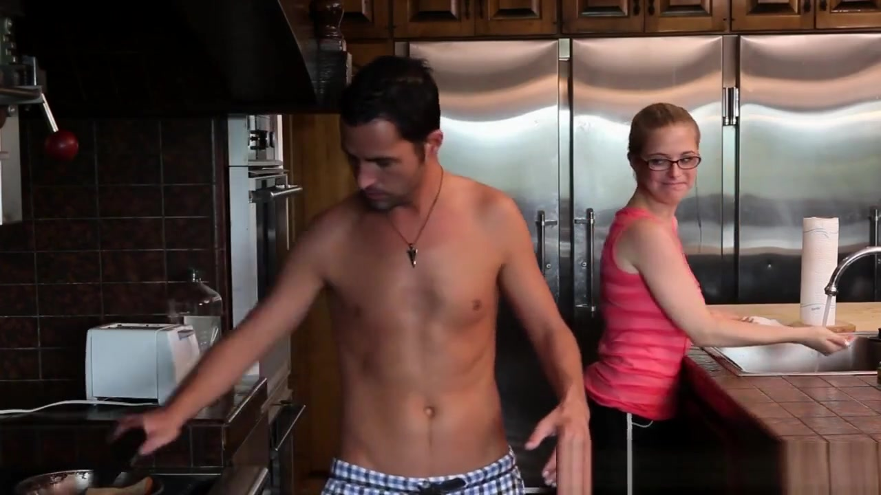 Sexy Video Clip pissing video woman