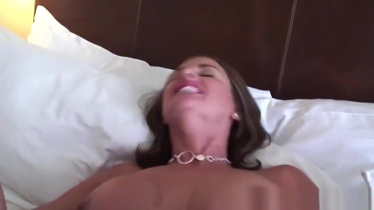 Builder nude body woman