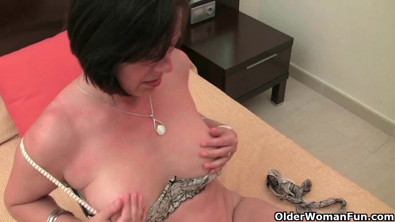 Hot Nude Strawberry blowjob