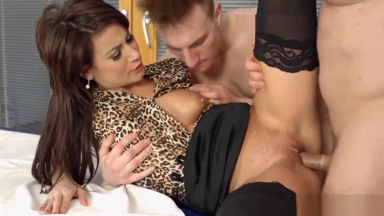Slut Fucks Bisexual Hunks Free black fist porn