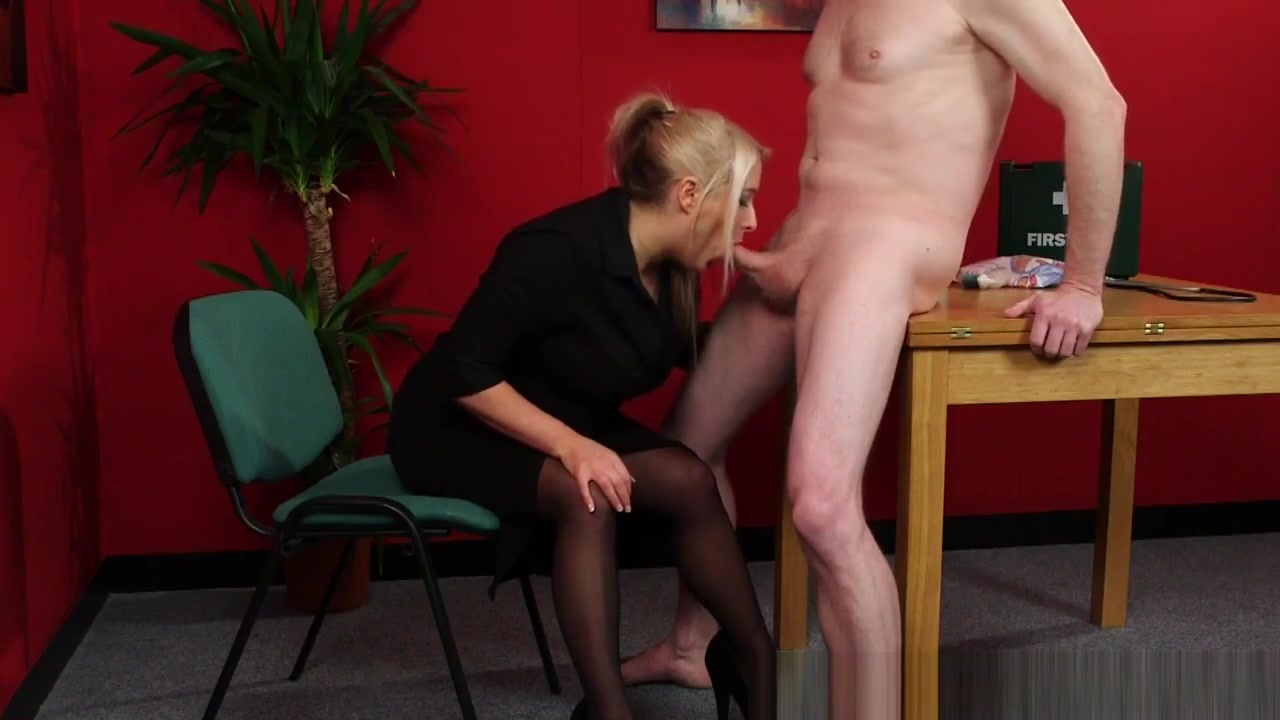 Uk Cfnm Milf Fingers Ass While Tugging Dick Japanese blow job asian thumbnails