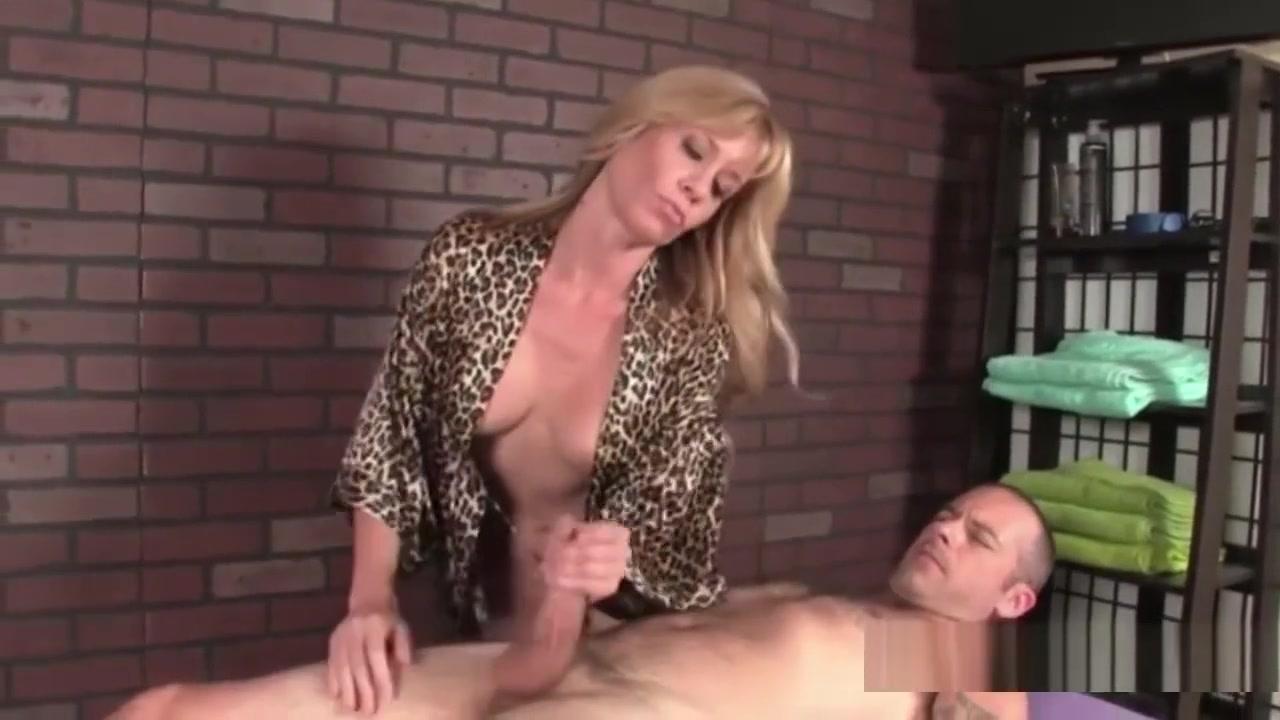 Porn pictures Alexis santos dating