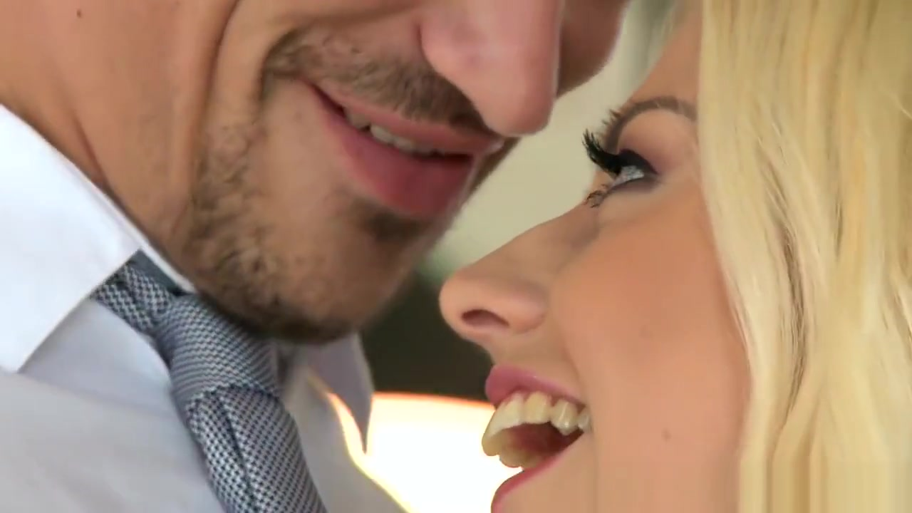 Tongue kiss on first date Hot Nude