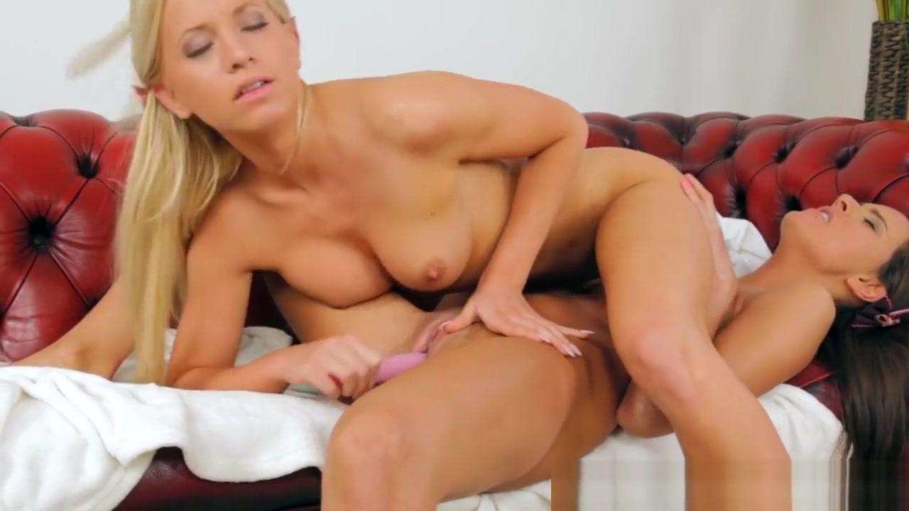 Masturbate sluts Nylon lesbiana