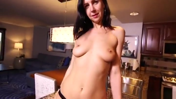 Sexy milf loves to fuck!!!!! Naked xXx Base pics