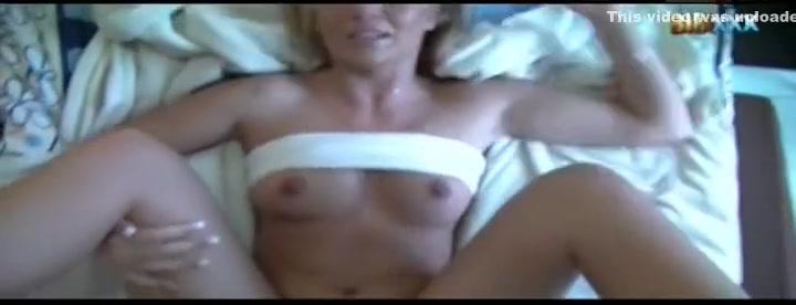 New xXx Video Bbw stuffing her binge