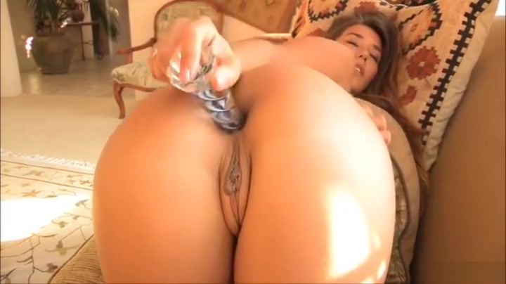 Carpet muncher Fucksluts Try Their New Strapon Nude photos