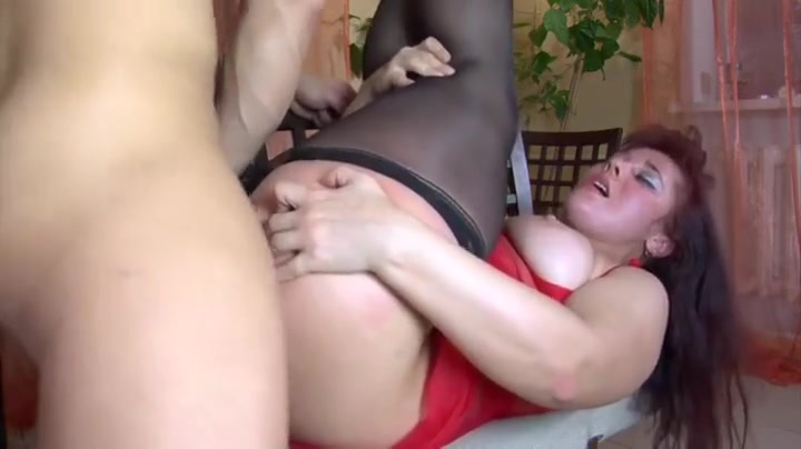 Sexy buxom mature brunette naked Porn Pics & Movies
