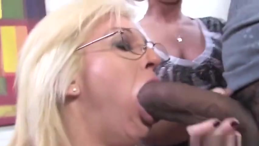 Porn archive Blowjob in the car made