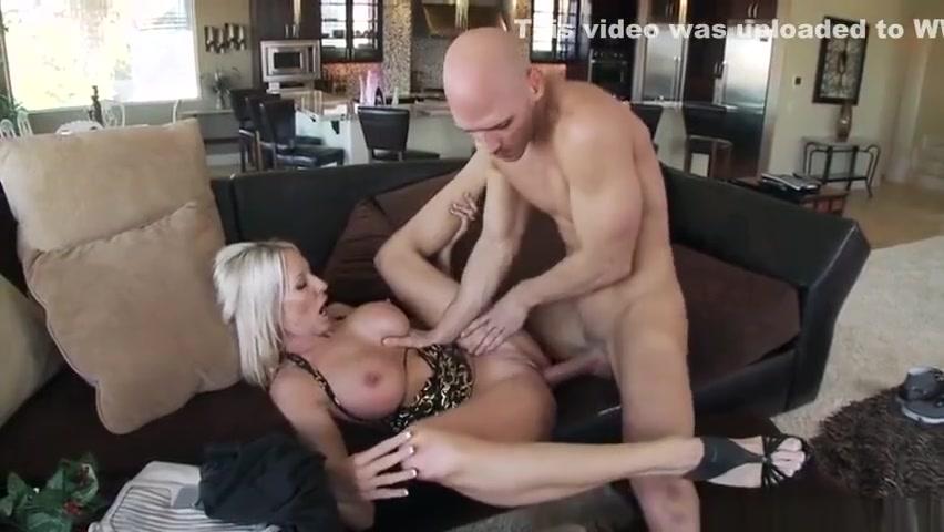 Sexy xxx video Sexy girls shaking their ass