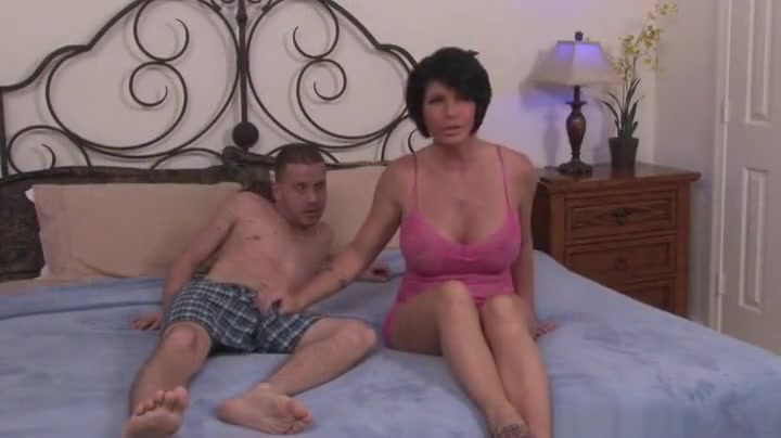 xXx Pics Latina girl licking dick