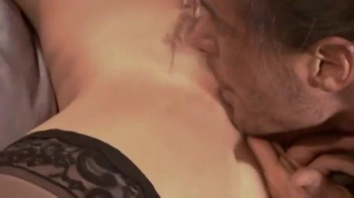 Nude pics Mona tampa bukkake