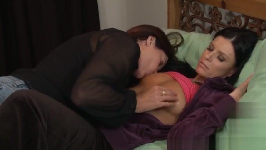 Lesbien pornos fucks Reality