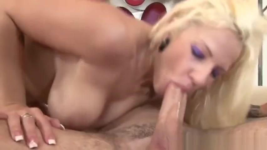 Nude gallery Sexy blowjob facial
