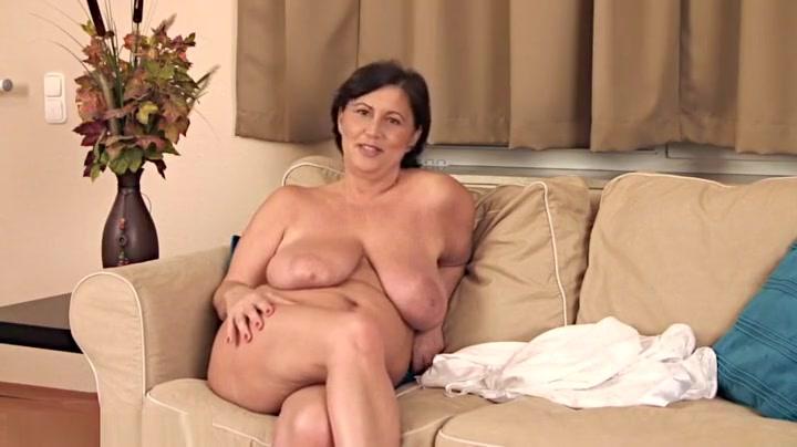 Hot Nude Ariana grande and avan jogia dating