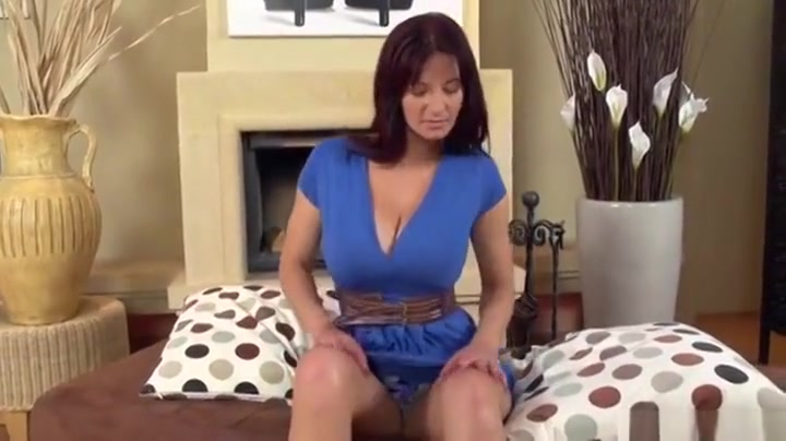 Hairy lesbo pussy fucked with dildo xXx Images
