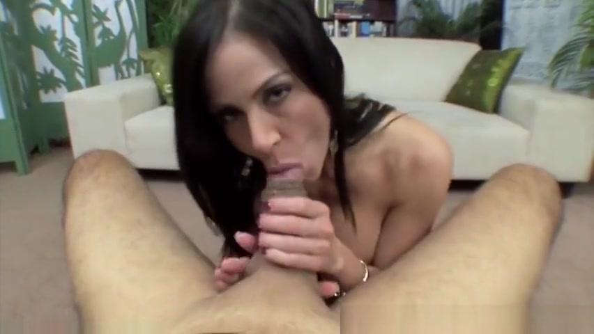 Hot Nude Ivanka trump boob oops