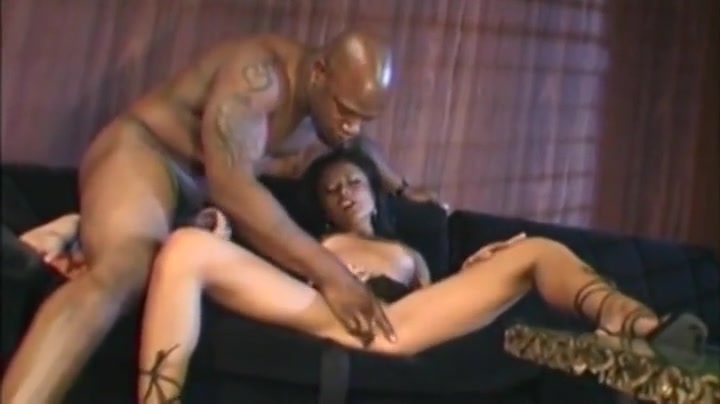 Supreme ebony whore does sex make your butt bigger