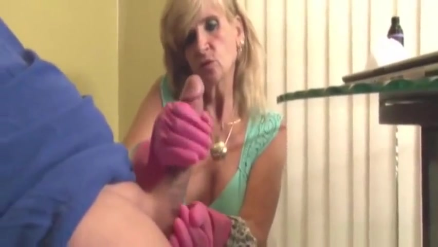 Mellow mom in handjob porn video All over 30 older women sex videos
