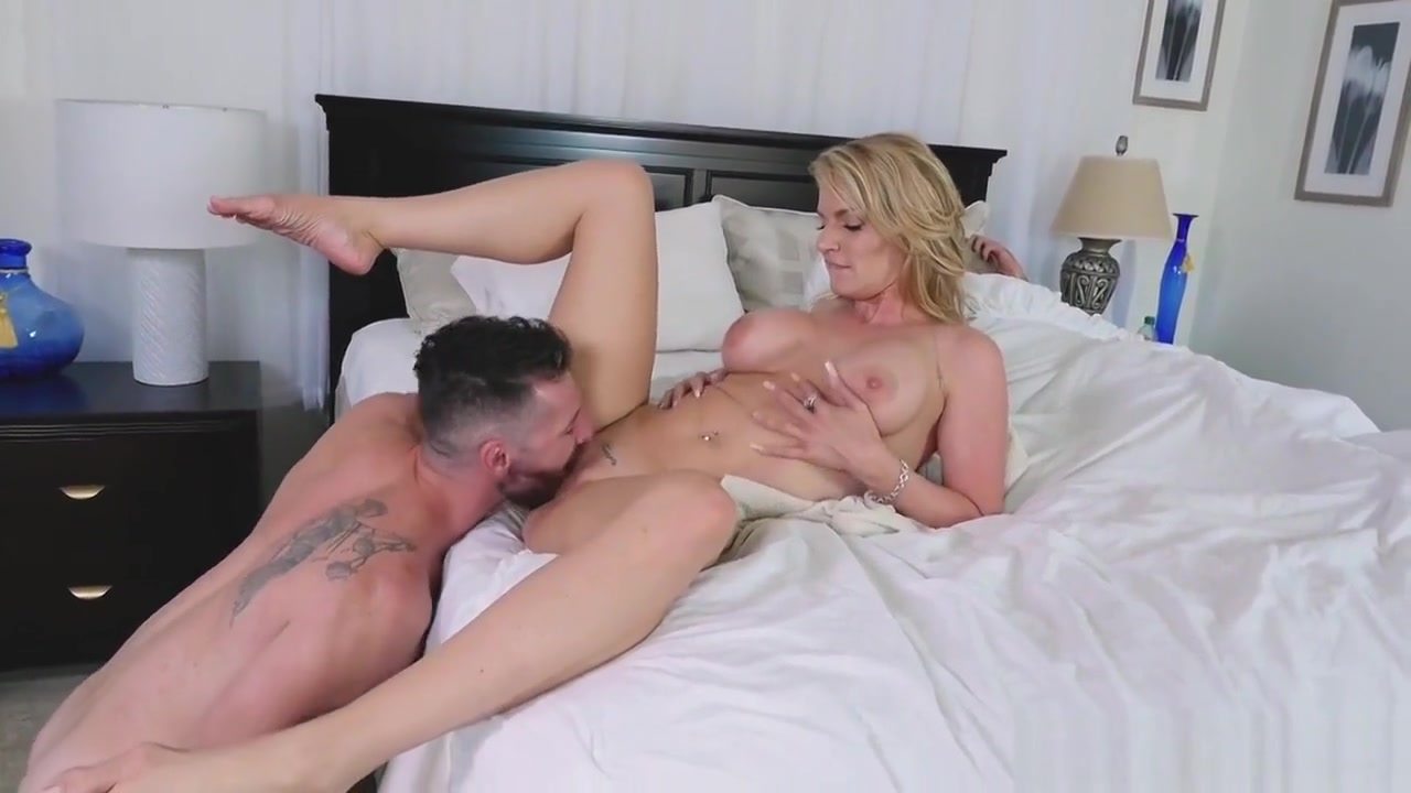 first time mature eating pussy Nude gallery