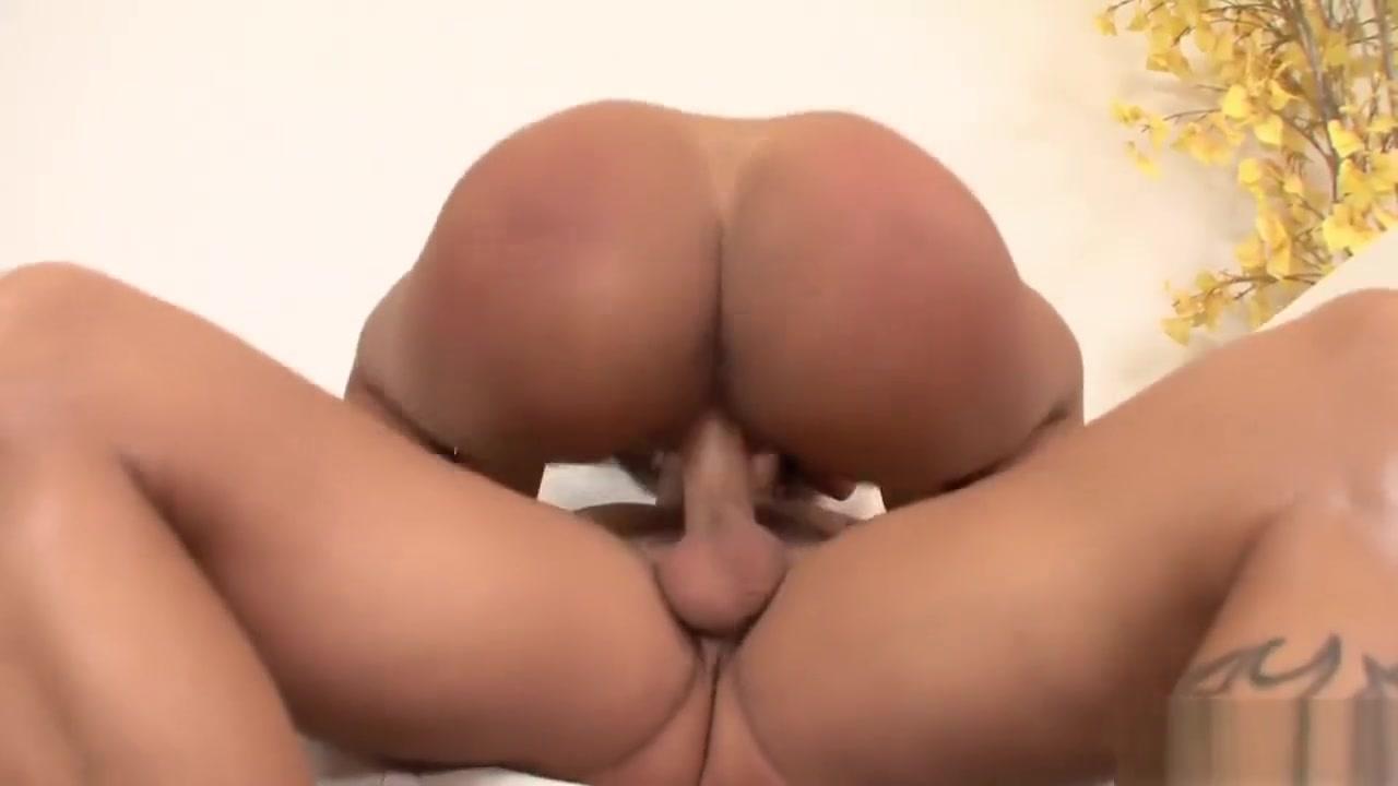 Hot Nude gallery Blonde milf make her balls shake